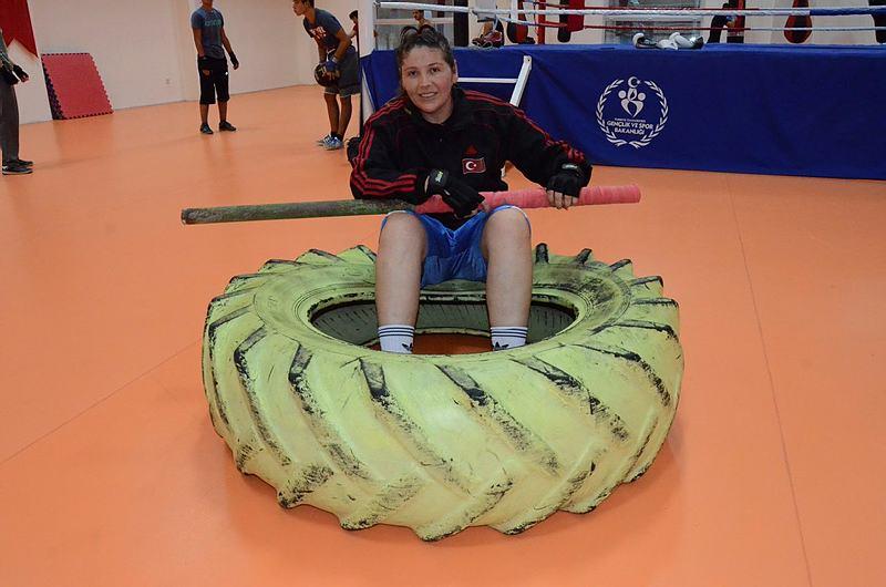 Kamyon lastikleriyle şampiyonaya hazırlanıyor!