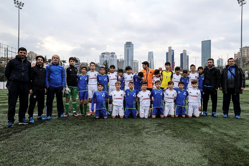 Mardinli ve Suriyeli çocuklar futbol sayesinde birleştiler
