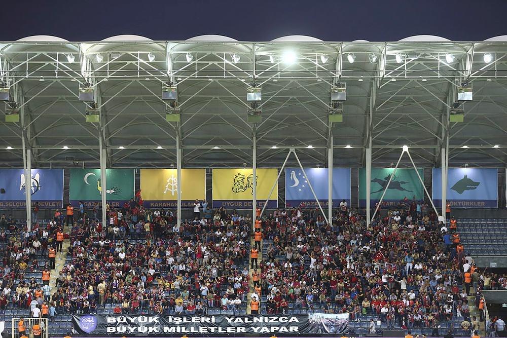 Osmanlıspor maçında anlamalı pankart