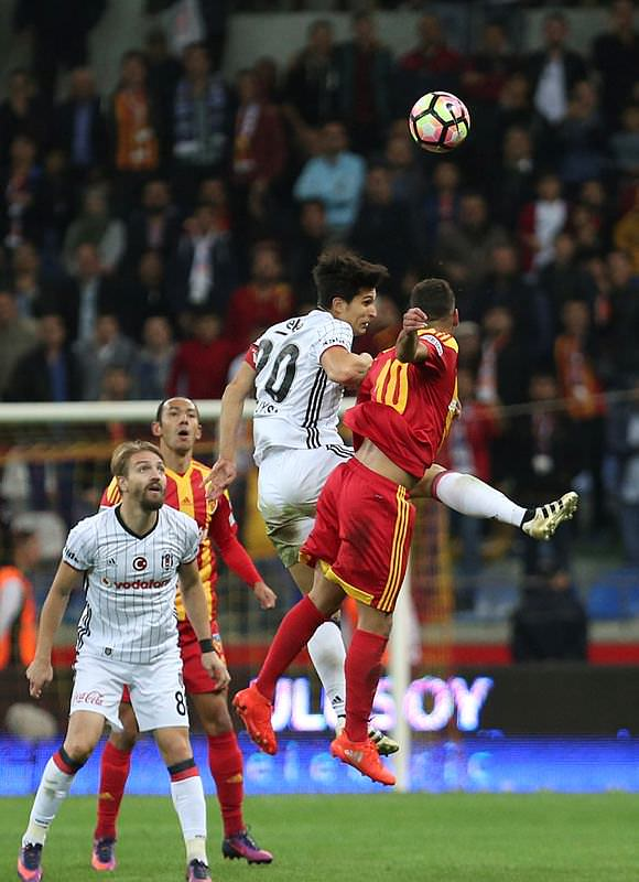 Sabah yazarları Kayserispor-Beşiktaş ve G.Birliği-G.Saray maçlarını yorumladı