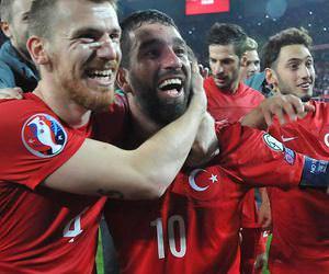 Türkiye - İzlanda maçı Twitter'ı salladı