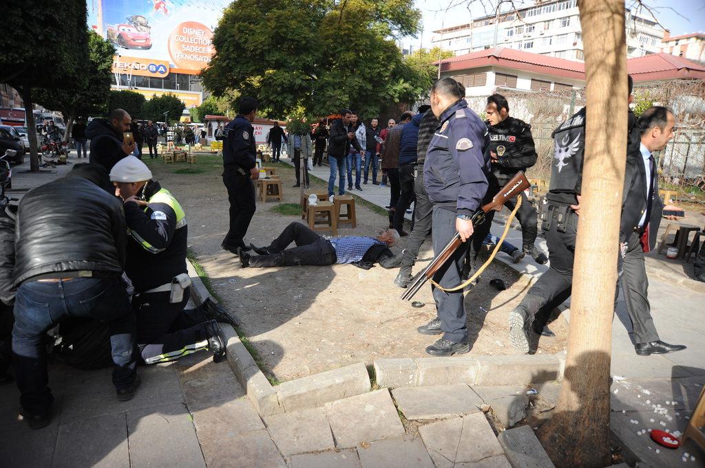 Adana Adliyesi yanında çatışma