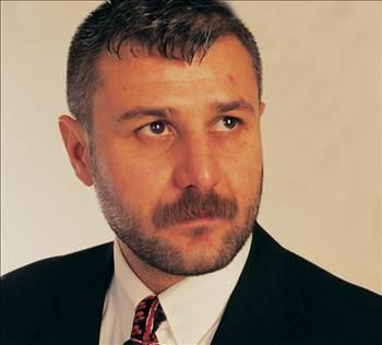 Twitter Azer Bülbül'ün şok ölümü ile çalkalandı
