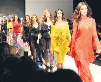 7 d İstanbulun kalbi moda ile attı