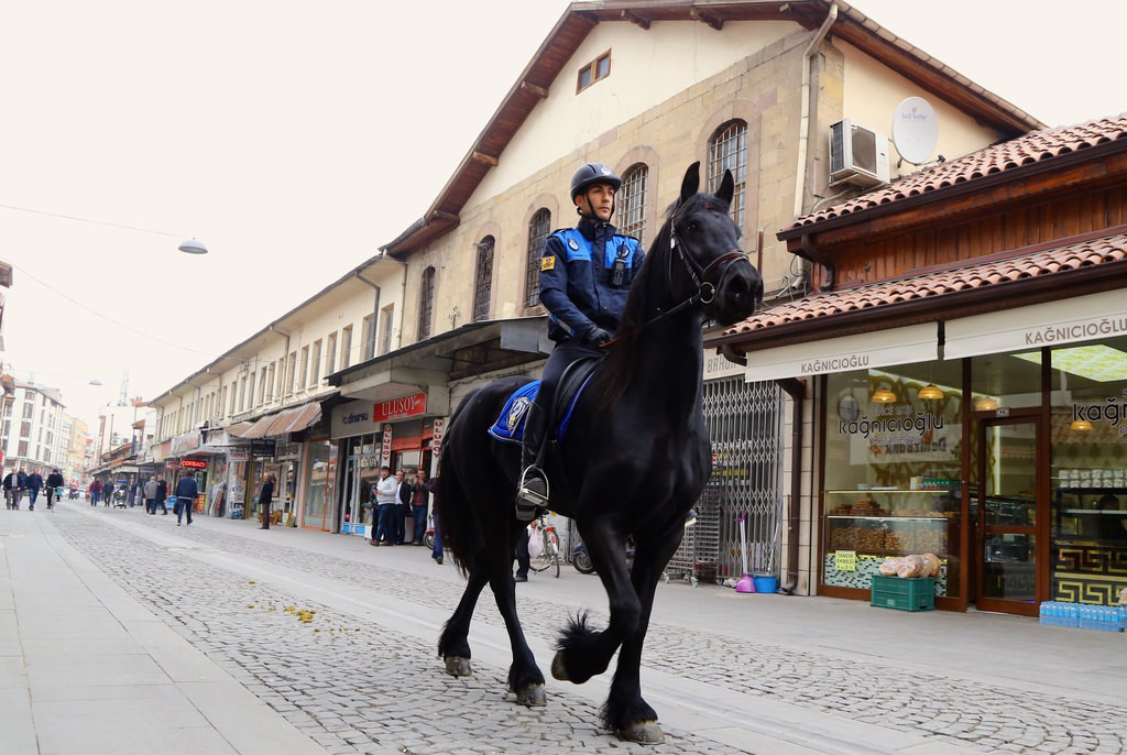 Türkiye'nin ilk 'Atlı Zabıta Birliği' Konya'da göreve başladı
