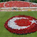 Ankara dışındaki illerde, sadece okullarda öğrencilerle kutlanmasını öngören genelgesinin yürütmesini durdurdu.