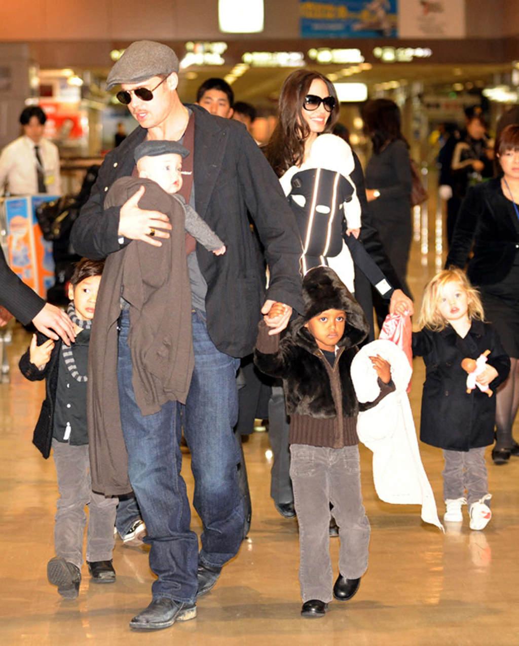 Брэд питт и анжелина джоли с детьми фото 2018