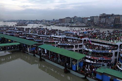 "Bangladeş'te ""insan seli"""