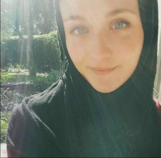 Belçikalı kız başörtüsü takıp sosyal deney yaptı
