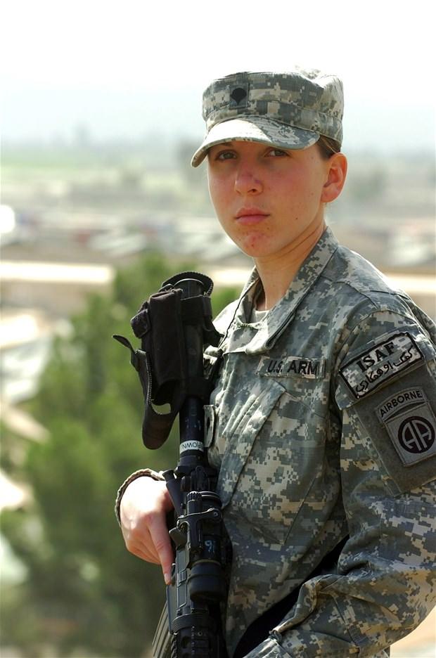 Dünyanın kadın askerleri