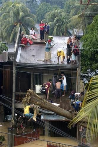 Filipinler fırtınaya teslim