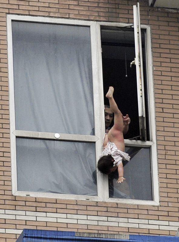 podsmatrivat-seks-v-okna