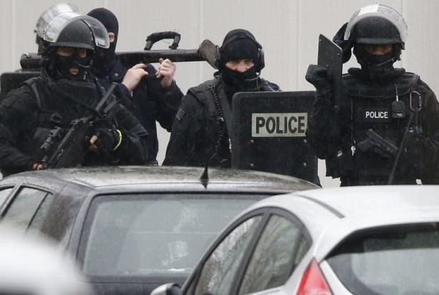 Fransa'da komandolar şehre indi