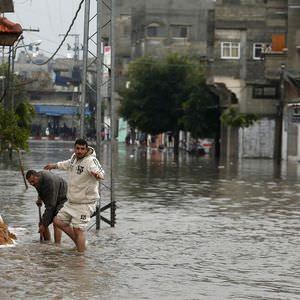 Gazze' yi bu kez sel vurdu