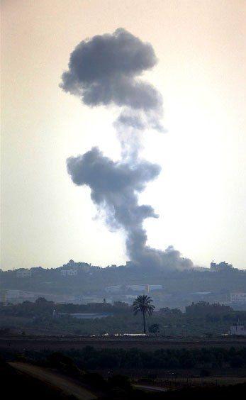 Gazzeye düşen füzelerdeki gizli silüetler