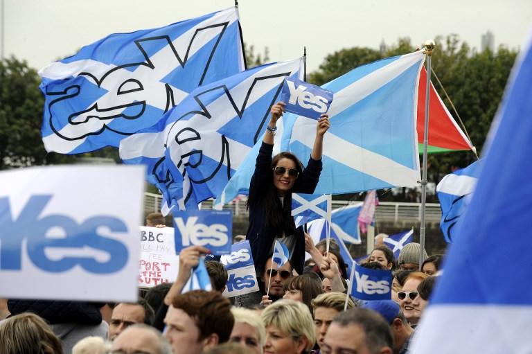 İskoçya'daki bağımsızlık ünlüleri de böldü