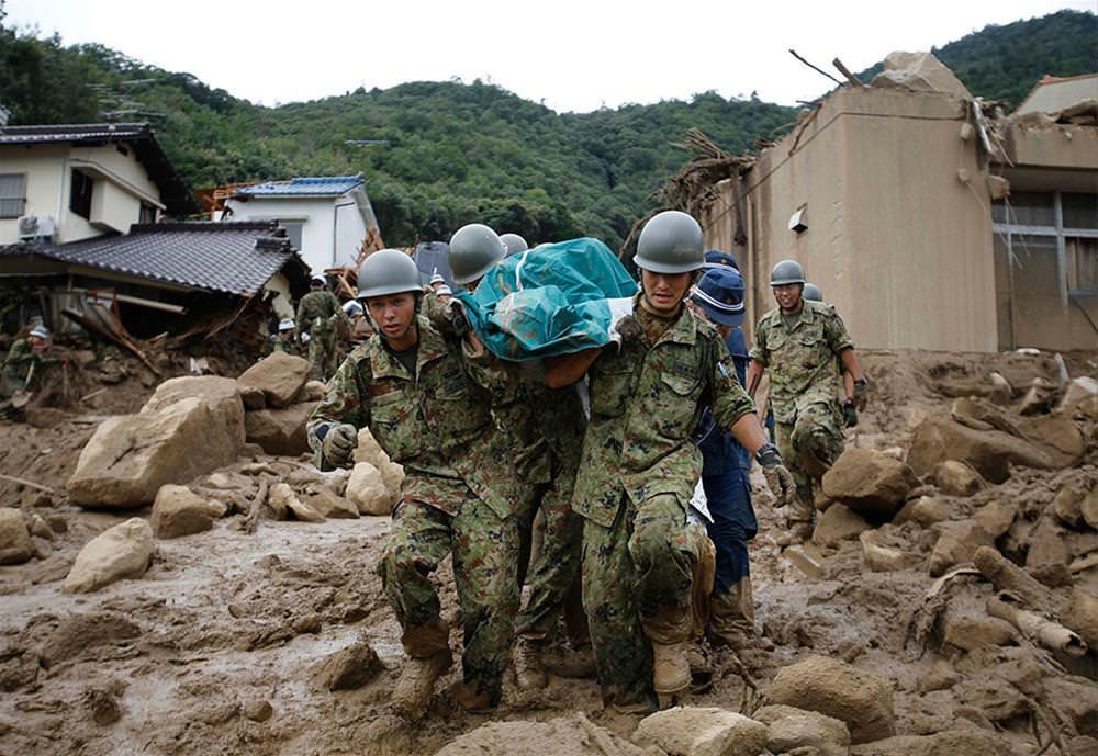 Japonya'da sel ve toprak kayması