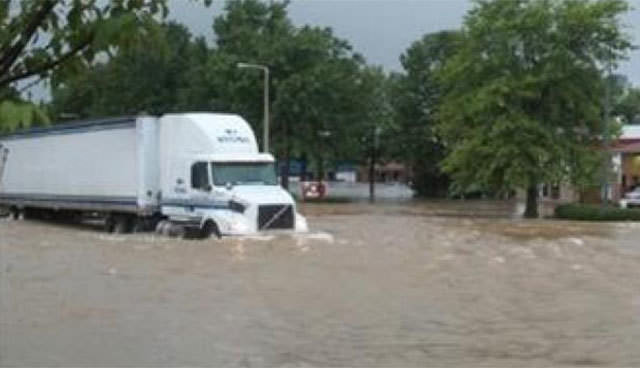 Memphisi su bastı