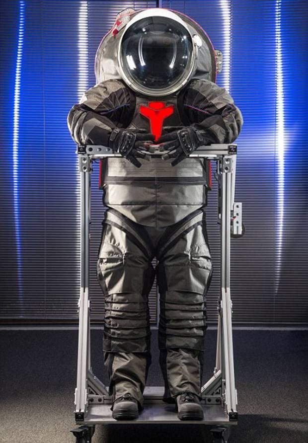 NASA, Mars'ta kullanılacak uzay giysilerini tanıttı
