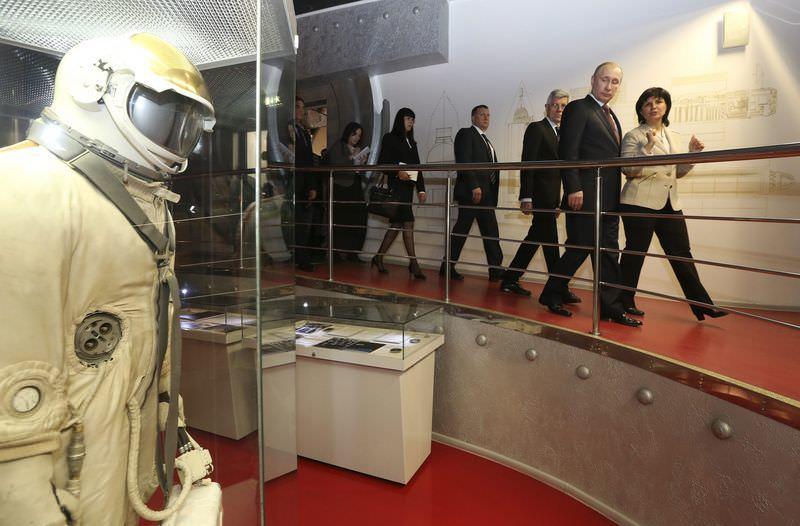 Putin'den uzaya canlı bağlantı