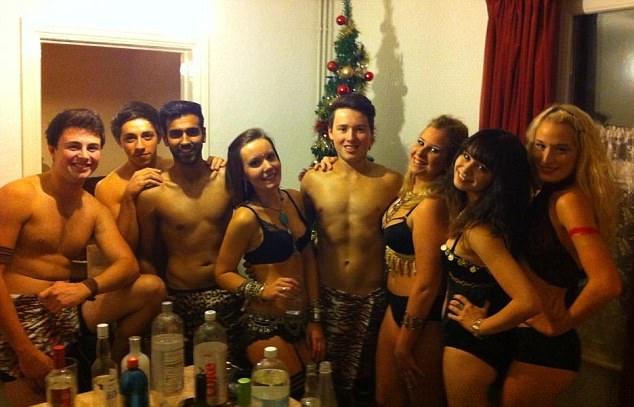 Русская секс вечеринка студентов смотреть онлайн Вам