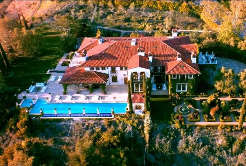 Villas� 25 milyon dolara sat��ta
