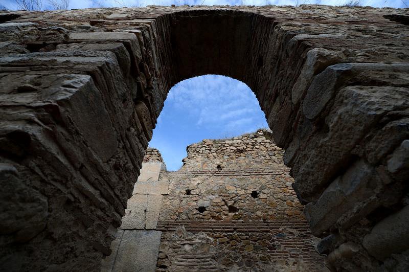 """2 bin 300 yıllık """"infaz odaları"""" gün yüzüne çıktı"""