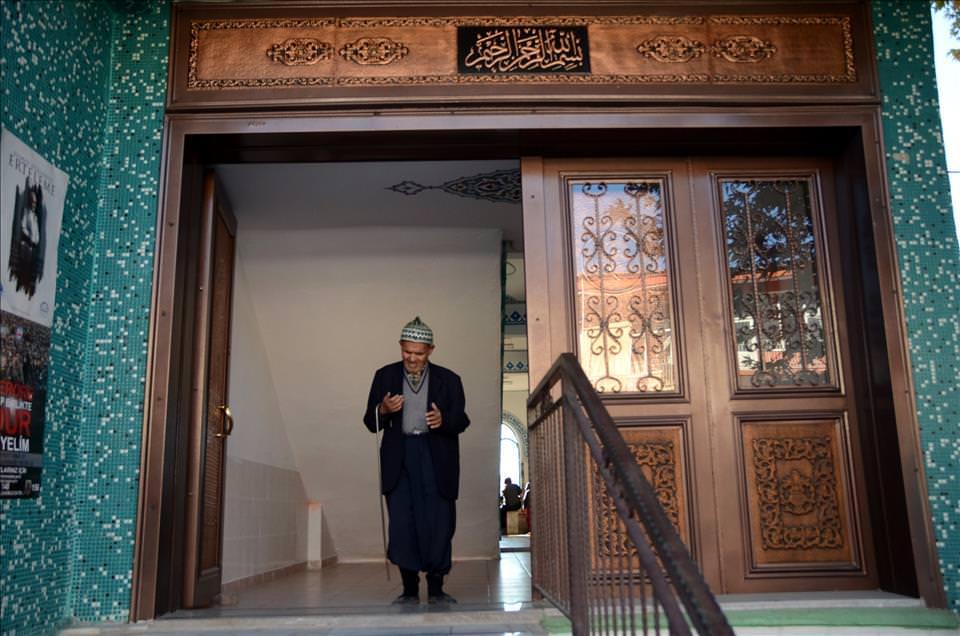 """Çavdır'ın """"insan müzesi"""" Süleyman dede"""