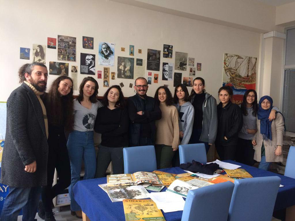 Devlet lisesinde çıkan Türkiye'nin okuduğu dergi