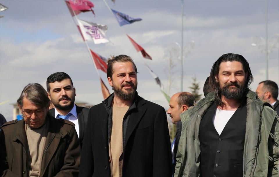 ''Diriliş Ertuğrul'' ekibine mehteranlı karşılama