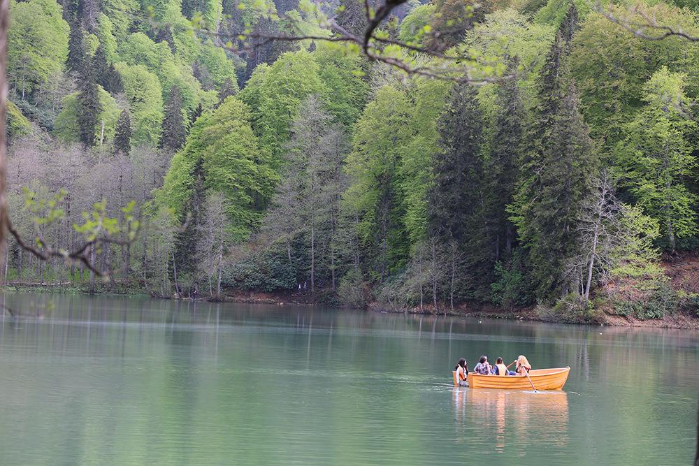 Doğu Karadeniz'in gölleri büyülüyor