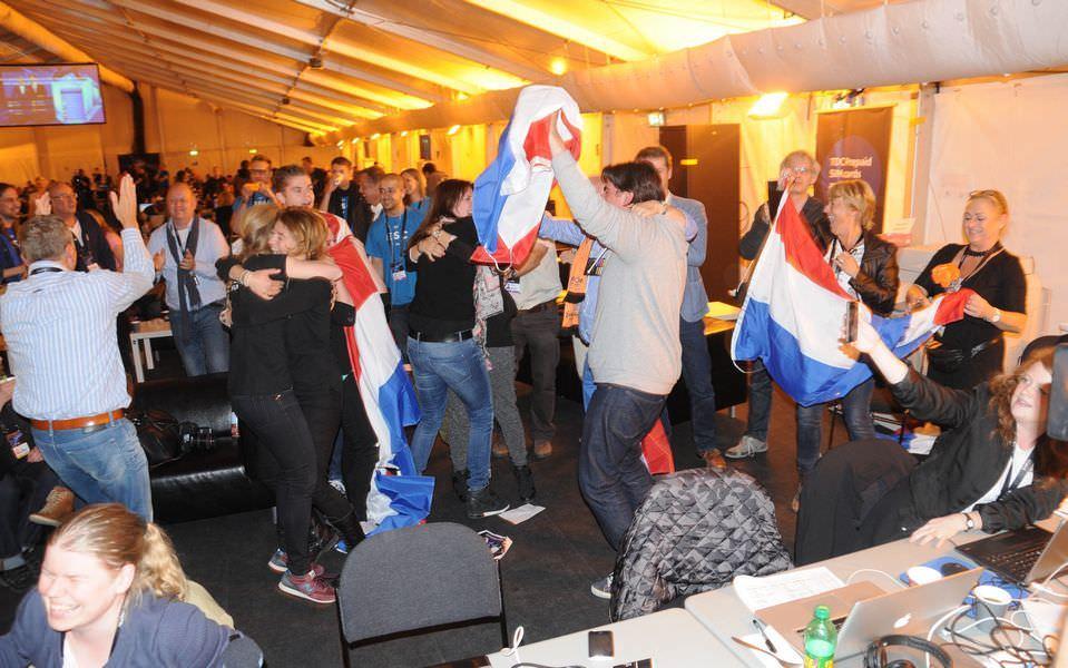 Eurovision'da ilk finalistler belli oldu!