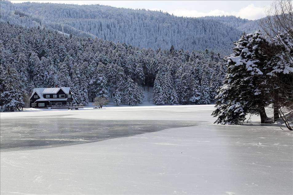 Gölcük Gölü buz tuttu