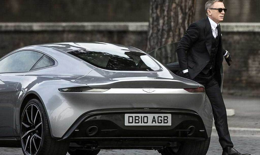 James Bond'un en havalı otomobilleri