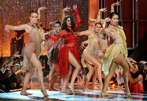 Selena Gomez dansıyla büyüledi