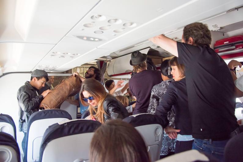 они любительские фото в самолете такими порнофото