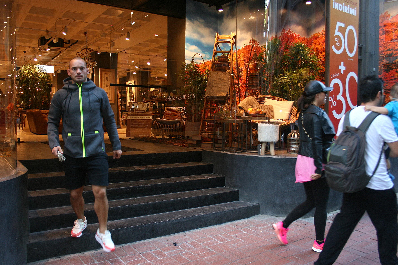 Sneijder: Beni çek!