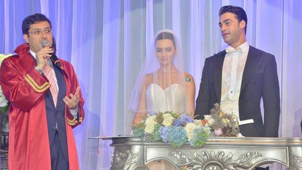 Birce Akalay ve Sarp Levendoğlu evlendi