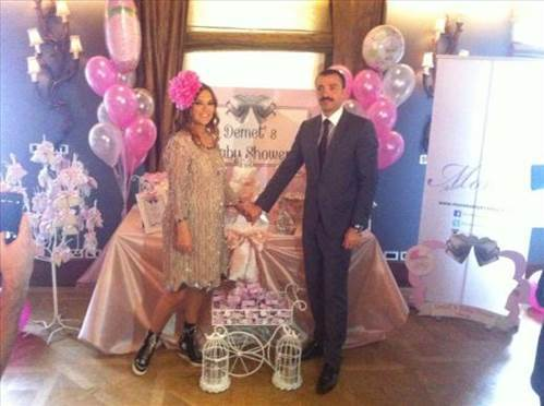 Demet Akal�n��n �Baby Shower� partisi