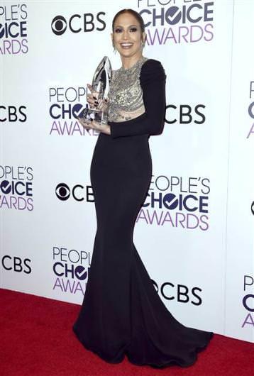 Jennifer Lopez kıyafetinin azizliğine uğradı