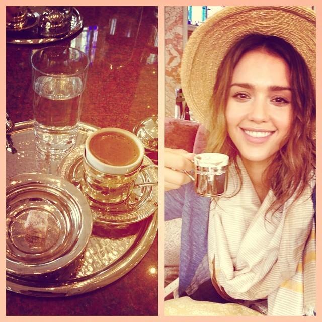 Jessica Alba İstanbul'u karış karış gezdi