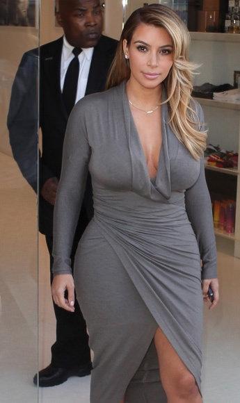Kim Kardashian'ın göbeği gitti