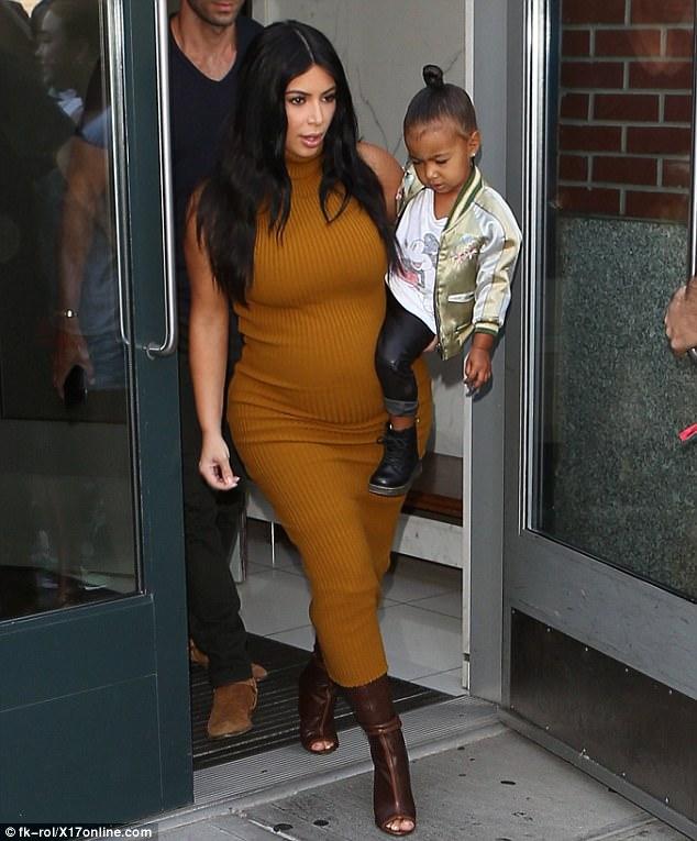 Kim Kardashian'ın minik rock yıldızı