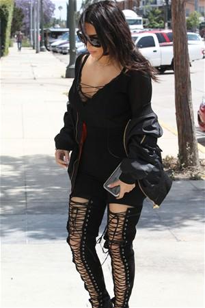 Kim Kardashian'nın öğle yemeği kombini!