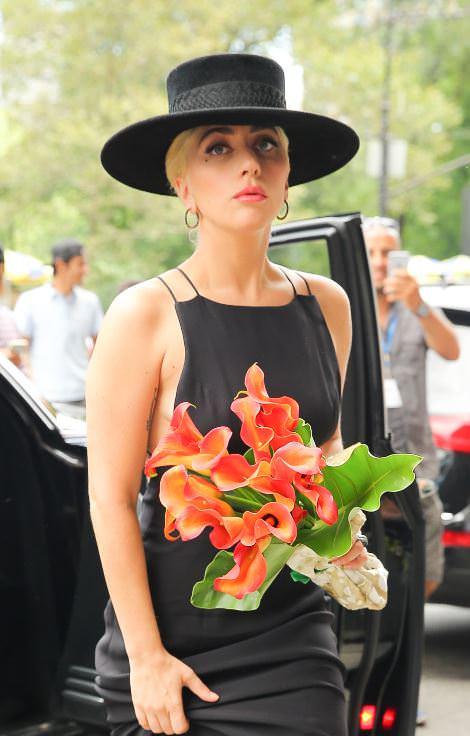 Lady Gaga evine döndü!