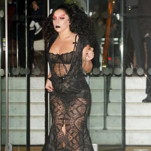 Lady Gaga'dan yine ilginç kıyafet