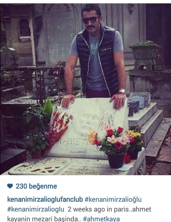 Mezarı başına gidip dua etti