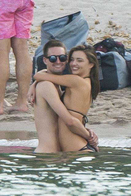 Miranda Kerr sevgilisi Evan Spiegel ile tatilde!