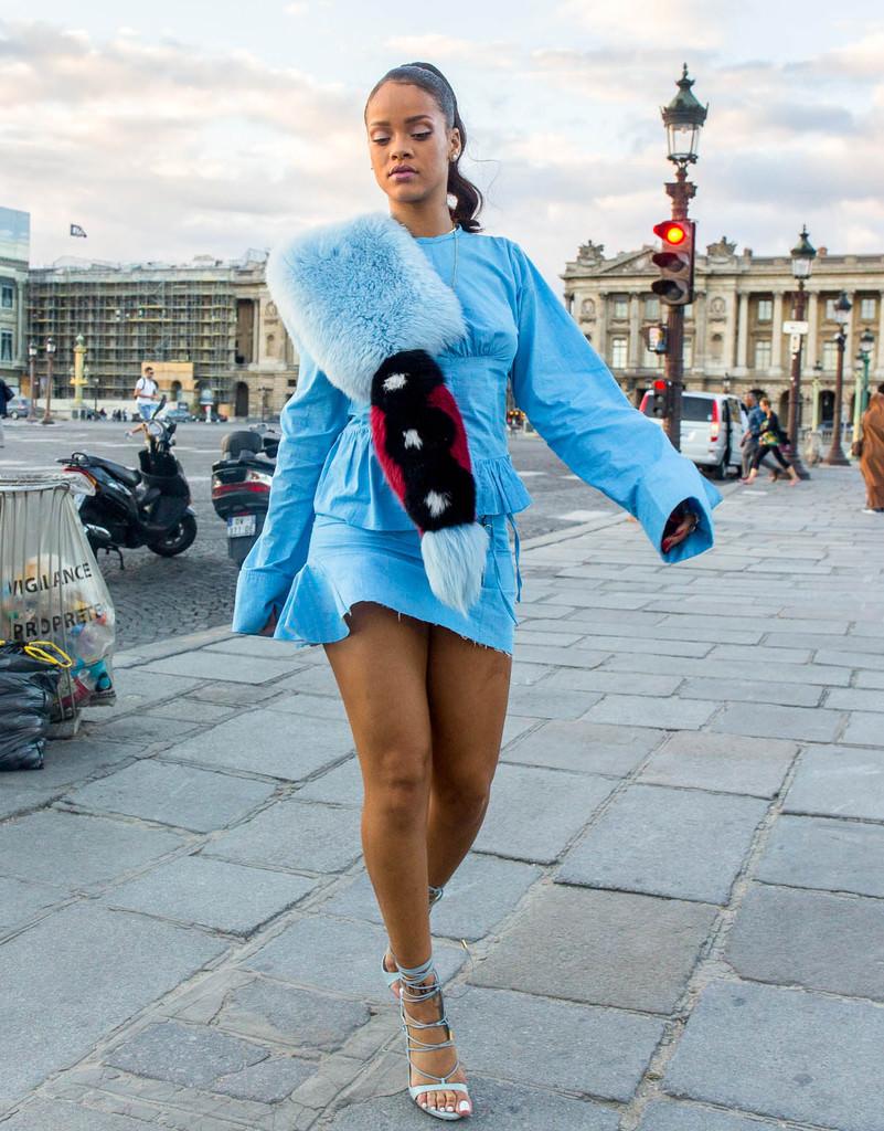 Rihanna Paris'te!