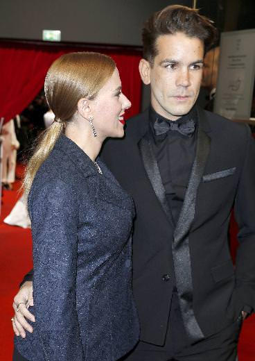 Scarlett Johansson evlenmiş